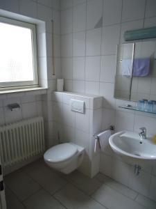 Koupelna v ubytování Hotel Leise Garni
