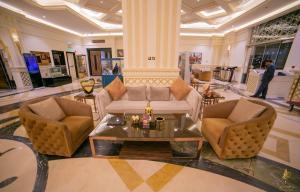 O saguão ou recepção de Casablanca Grand Hotel