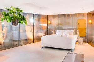 Een bed of bedden in een kamer bij Lightship Amsterdam