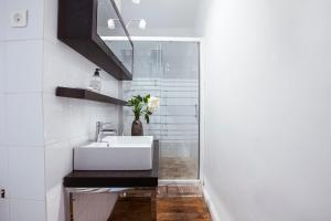 A bathroom at Cosy République