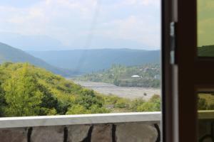 Uma vista da montanha tirada da villa