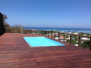 A piscina localizada em Teva's Apt ou nos arredores