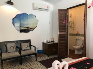 A bathroom at Rangoon Residence @ Georgetown