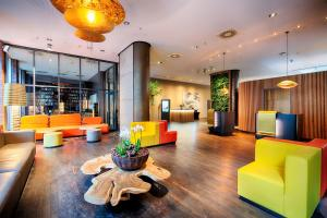 The lobby or reception area at ACHAT Hotel Bremen City