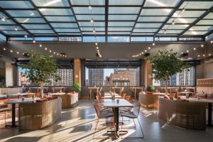 Restaurant ou autre lieu de restauration dans l'établissement Motto by Hilton Philadelphia Rittenhouse Square