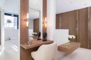 Een badkamer bij The Oasis by Don Carlos Resort