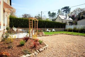 A garden outside Les belles vignes