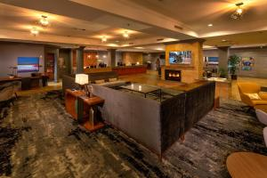 The lobby or reception area at Silver Cloud Hotel - Seattle Broadway