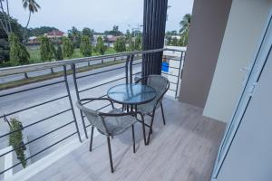 A balcony or terrace at Rovira Suites