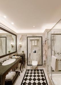 A bathroom at Aurika, Udaipur - Luxury by Lemon Tree Hotels