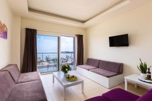 A seating area at Atali Grand Resort