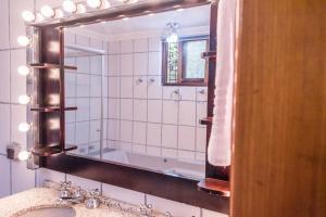 A bathroom at Hospedagem Vila Suíça