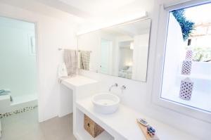 Ένα μπάνιο στο Agnandi Cielo