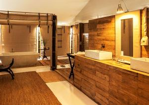 A bathroom at The Beige