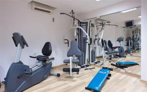 The fitness center and/or fitness facilities at Le Boutique Hotel Moxa