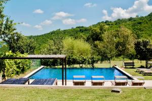 The swimming pool at or near Tuttaterra