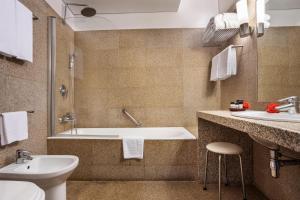 Um banheiro em Pousada Mosteiro de Guimaraes
