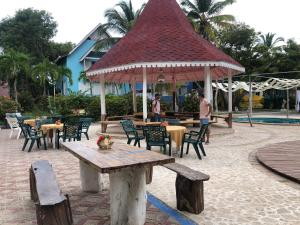 A restaurant or other place to eat at Secreto Hostel