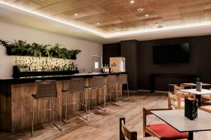 The lounge or bar area at Costa del Sol Wyndham Tumbes