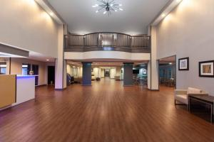 The lobby or reception area at Wingate by Wyndham Oklahoma City Airport