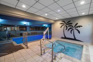 The swimming pool at or near Wingate by Wyndham Oklahoma City Airport