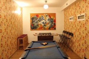 A pool table at Mediterranean Hostel Barcelona
