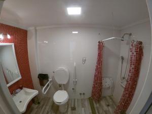 Um banheiro em Malevo Murana Hostel
