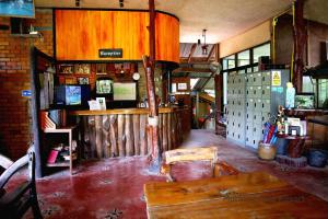 The lounge or bar area at Khao Sok Morning Mist Resort