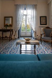 A seating area at B&B D'Angleterre