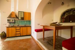 A kitchen or kitchenette at Agriturismo Villa Lupara