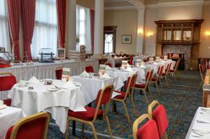 A restaurant or other place to eat at Crown & Mitre Hotel