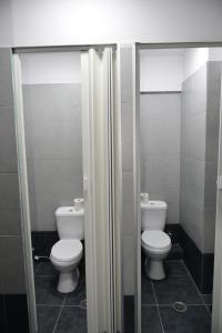 A bathroom at Crafoord Place Hostel Athens