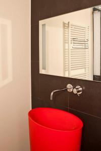 A bathroom at Lozerkasteel