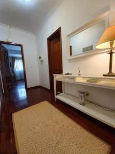 A bathroom at Apartment Afonso Henriques
