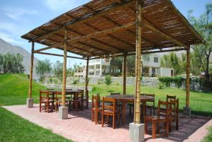 A restaurant or other place to eat at Rio Lindo Ecolodge