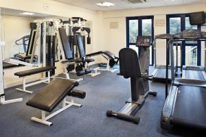 The fitness center and/or fitness facilities at The Parkavon Hotel