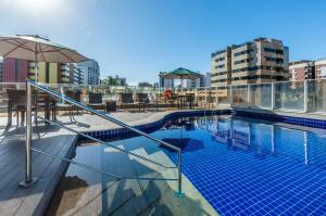 The swimming pool at or close to Holiday Inn Express Maceió, an IHG Hotel