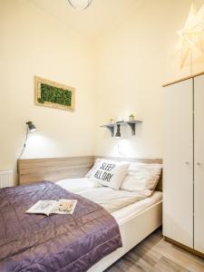 Postel nebo postele na pokoji v ubytování A9 Houseleek Residence