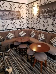 A seating area at Montgomery Hotel
