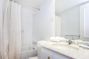 Un baño de Apart Hotel Cambiaso