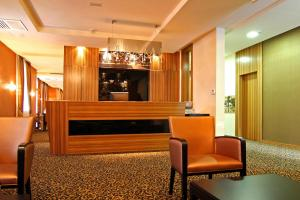 The lobby or reception area at Hotel Crystal