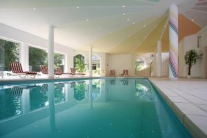 Het zwembad bij of vlak bij Hotel Meyer