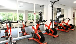 Gimnasio o instalaciones de fitness de Hotel Salobreña Suites