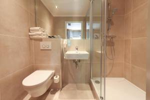 A bathroom at The Delphi - Amsterdam Townhouse