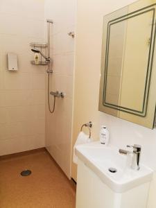 A bathroom at The Cavendish Five Bells