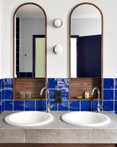 A bathroom at New Hotel Le Quai - Vieux Port