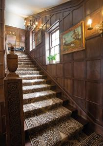 The lobby or reception area at Sturmer Hall Hotel and Conference Centre