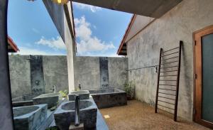 A bathroom at Tropicana Lanta Resort