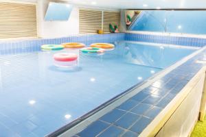 A piscina localizada em Durrat Palesttine - Al Fayhaa ou nos arredores