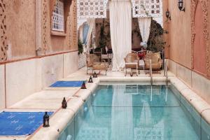 Het zwembad bij of vlak bij Riad Ouarzazate